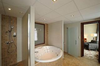 belső jacuzzi - Hunguest Hotel Forrás**** Szeged