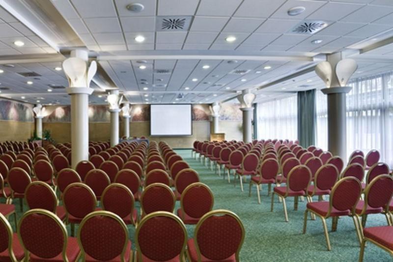 konferencia szálloda