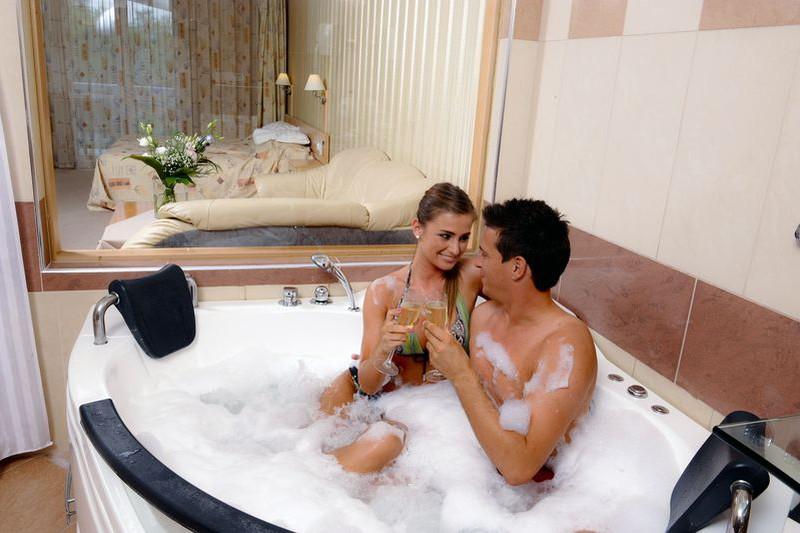 pezsgőkádas szoba - Hotel MenDan **** Zalakaros