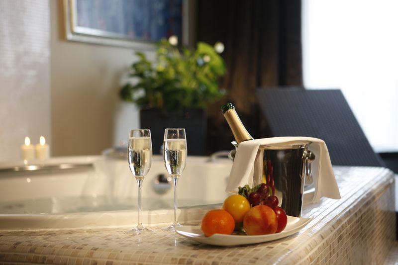 jacuzzi a lakosztályban - Spirit Hotel Thermal Spa - Sárvár