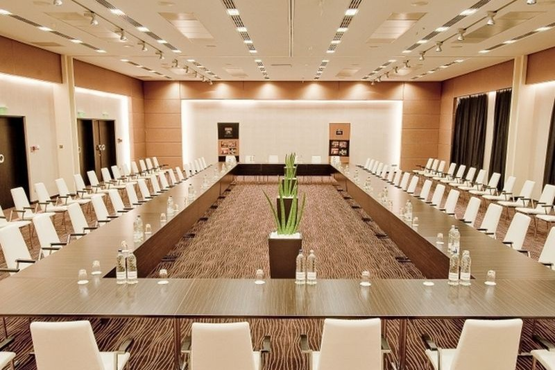 Abacus Business & Wellness Hotel ****	Herceghalom