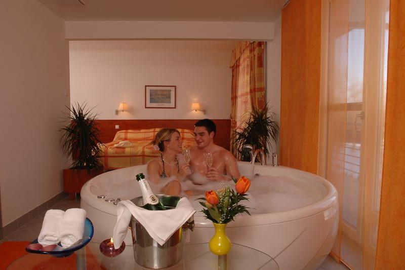 jacuzzis lakosztály - Hunguest Hotel Répce Gold **** Bük