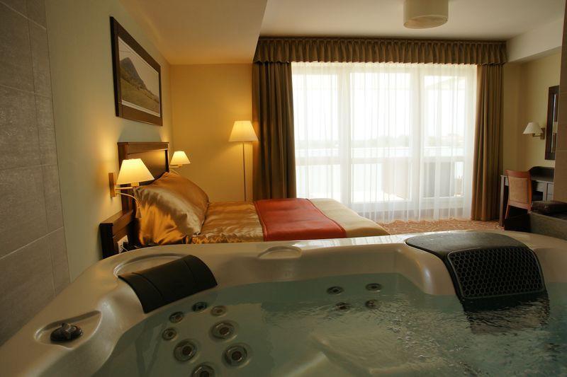jacuzzis hotel szoba - Hotel Atlantis **** Hajdúszoboszló